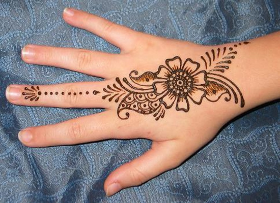 Henna With Mandy Roberge Thayer Memorial Library